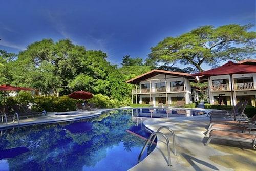 . Agua Dulce Beach Resort