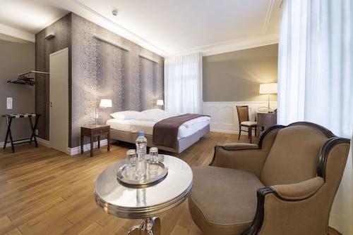__{offers.Best_flights}__ Blue City Hotel