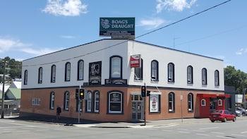 巴瑟斯特百年旅館 Centennial Inn on Bathurst