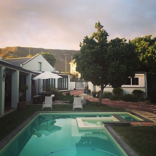 Sixteen Guest Lodge on Main, Overberg