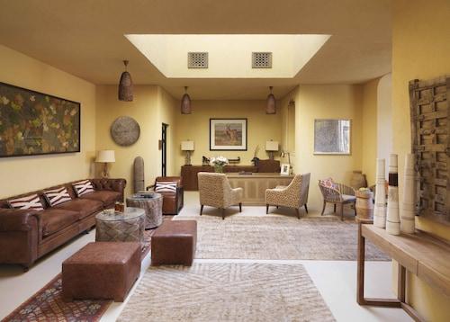 . Anantara Al Sahel Villa Resort