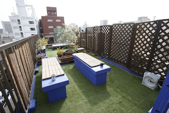 BACKPACKERS HOSTEL K'S HOUSE HIROSHIMA Terrace/Patio