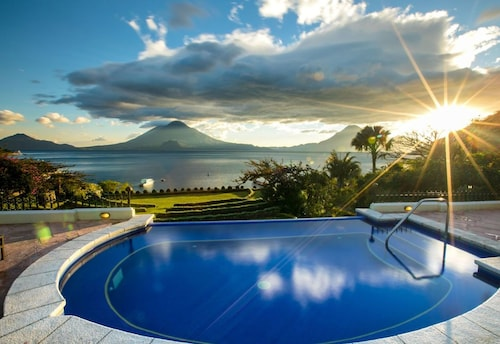 __{offers.Best_flights}__ Hotel Atitlán