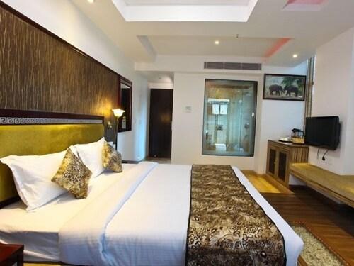 Hotel Tigers Roare', Idukki