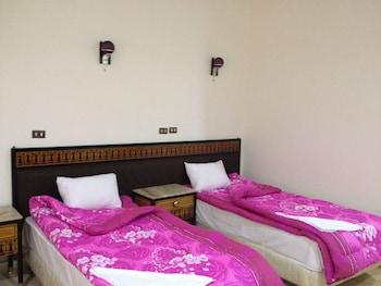 Hotel - One Season Hostel