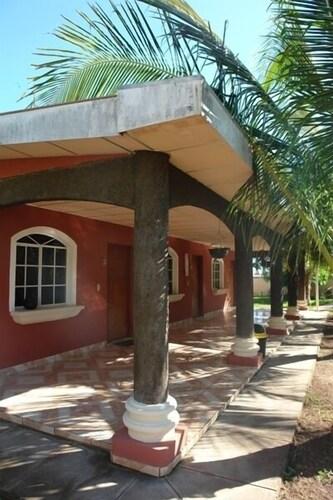 . Hotel Miraflores