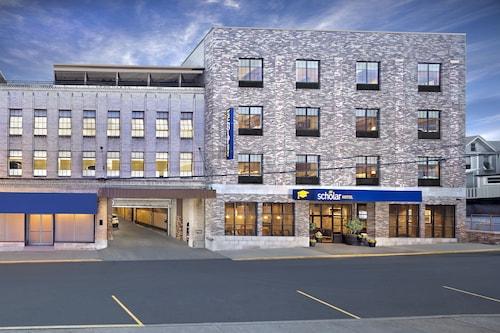 . The Scholar Hotel- Morgantown