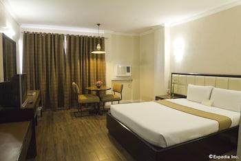 Rothman Hotel Manila Room