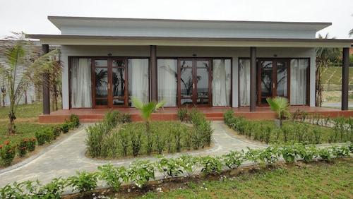 . Làng Cò Resort