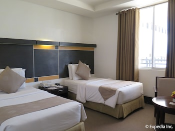 Big 8 Corporate Hotel Davao Guestroom