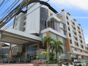 Big 8 Corporate Hotel Davao Exterior
