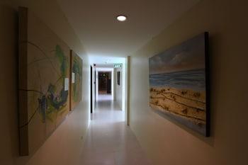 Home Crest Hotel Davao Hallway