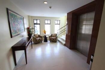 Home Crest Hotel Davao Interior