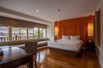 Signature Suite, 1 Queen Bed, Balcony, Resort View