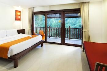 Deluxe Room, 2 Double Beds, Balcony, Garden View