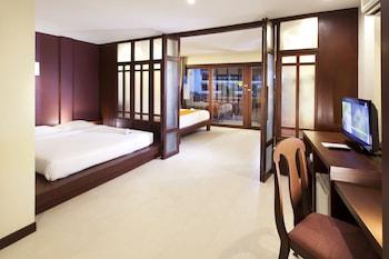 Deluxe Room, 2 Double Beds, Balcony, Resort View