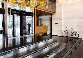 ロイヤル グループ ホテル チュンシャン ブランチ (御宿商旅中山館)