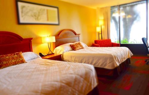. Crystal Cove Riverfront Resort