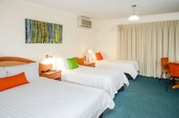 Family Room, Multiple Beds at Pegasus Motor Inn and Serviced Apartments in Hamilton