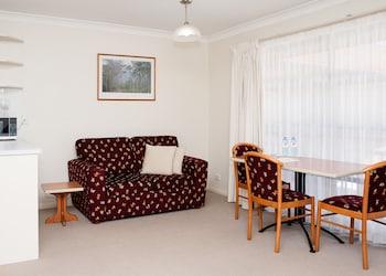 Guestroom at Pegasus Motor Inn and Serviced Apartments in Hamilton
