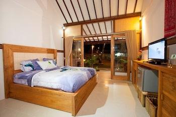 Standard Room, Poolside