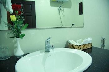 New Heaven Hotel - Bathroom  - #0