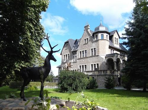 . Schlosshotel Stecklenberg