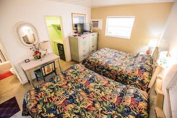 Deluxe Double Room, 2 Queen Beds, Bathtub