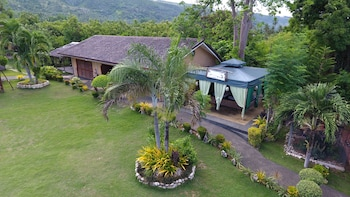 Bodo's Bamboo Bar Resort Cebu Garden