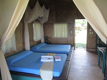 Bodo's Bamboo Bar Resort Cebu Guestroom