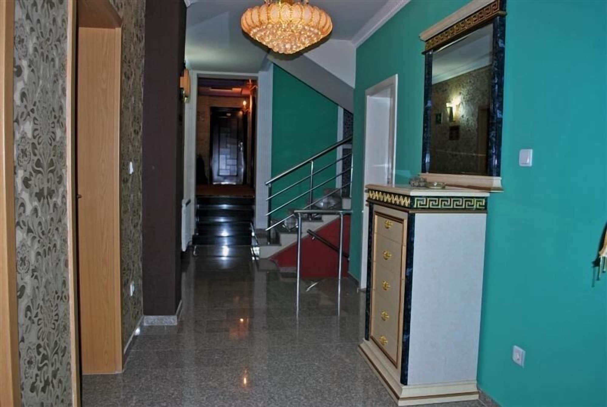 Hotel Adria, Priština