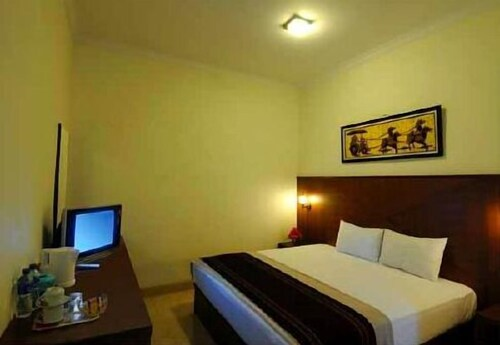 Sky Hotel Poncowinatan 1 Yogyakarta, Yogyakarta
