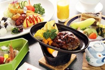MIYAJIMA HOTEL MAKOTO Food and Drink