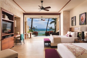 Residences At Dorado Beach, A ..