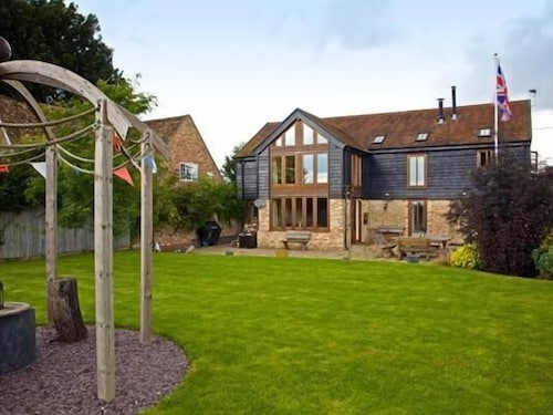 . Grove Barn Guest Accommodation