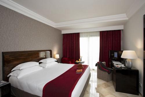 . Hotel Paris Concorde