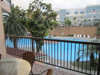 Condo B, 1 Bedroom, Pool View Standard #131