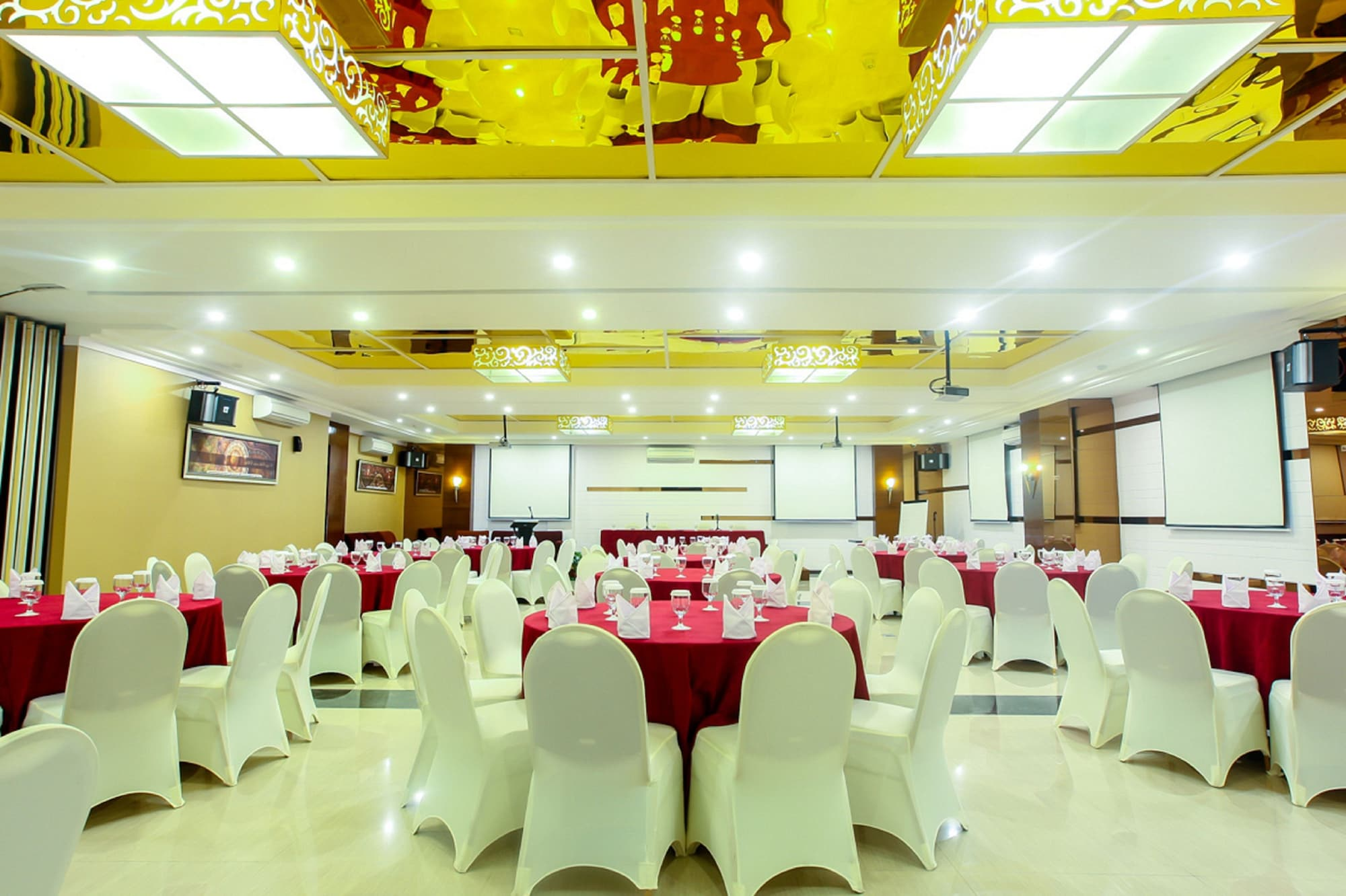 Favor Hotel, Makassar