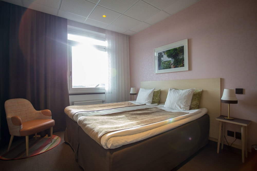 Årstaviken Hotell, Featured Image