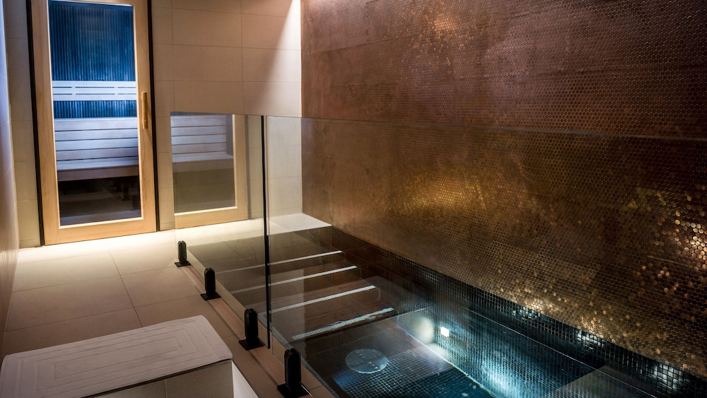 https://i.travelapi.com/hotels/7000000/6730000/6722500/6722402/5e32b5aa_z.jpg