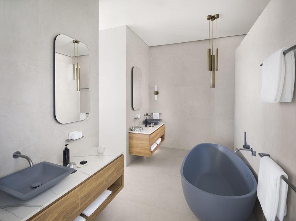 https://i.travelapi.com/hotels/7000000/6730000/6722500/6722402/c4c5b900_z.jpg