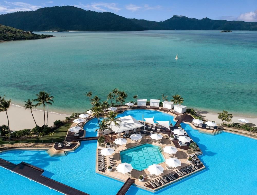 https://i.travelapi.com/hotels/7000000/6730000/6722500/6722402/e2528c52_z.jpg