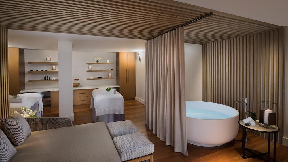 https://i.travelapi.com/hotels/7000000/6730000/6722500/6722402/f76bc314_z.jpg