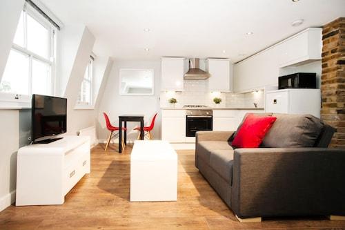 . Lamington Apartments