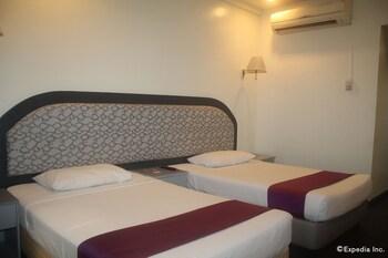 V Hotel Room