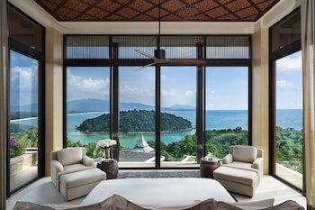 Seven Bedroom Sea View Residence