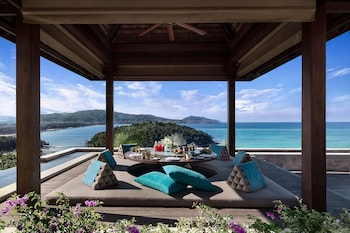Four Bedroom Sea View Residence