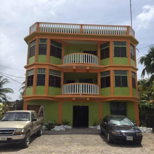 . Chaleanor Hotel