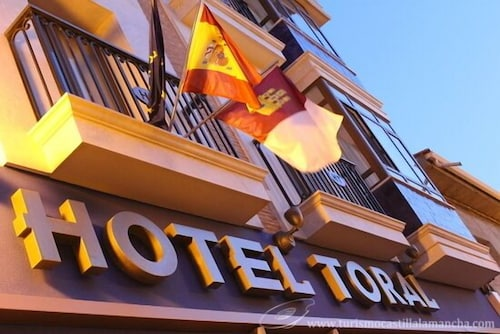 . Hotel Toral