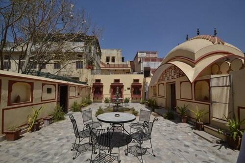 Rawla Mrignayani Palace, Jaipur